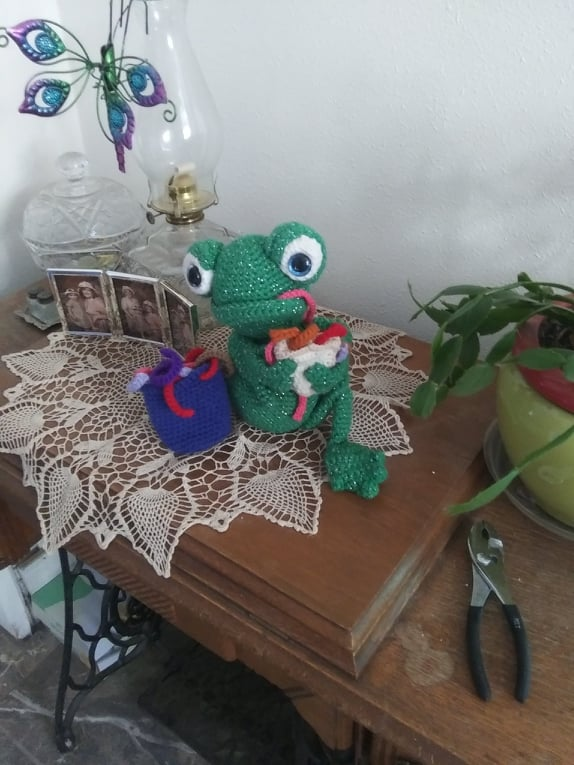 Amigurumi Frog Crochet Pattern Review by Karen McMahan for Cottontail and Whiskers