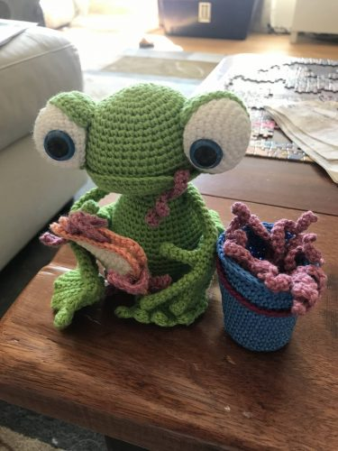 Crochet amigurumi frog pattern review by kylie adams for cottontail and whiskers