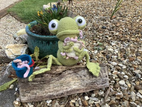 Crochet Frog Amigurumi Pattern Review by Susan Laity for Cottontail and Whiskers