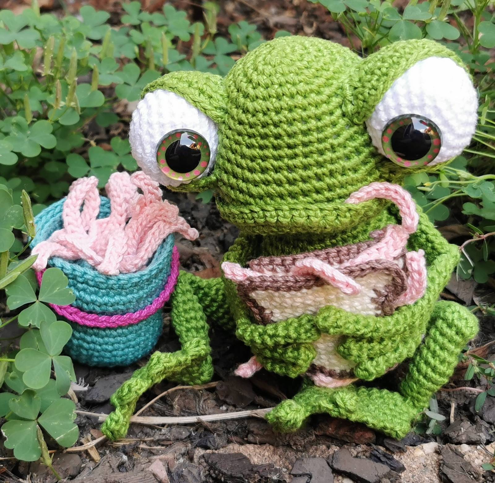 Crochet Frog Pattern Review by Nancy Cruise for Cottontail and Whiskers