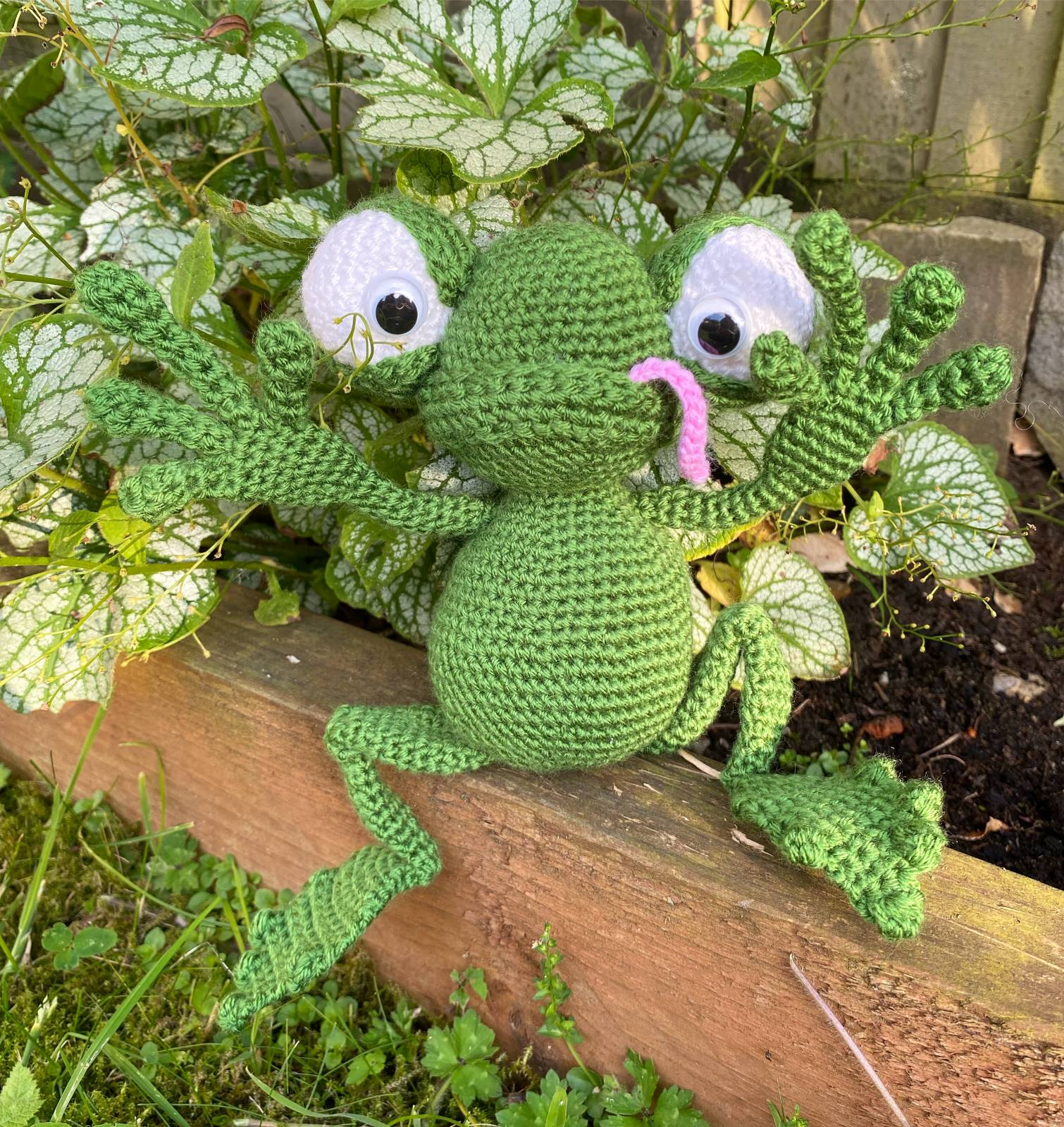 Frog Amigurumi Crochet Pattern Review by Becky Matley for Cottontail and Whiskers
